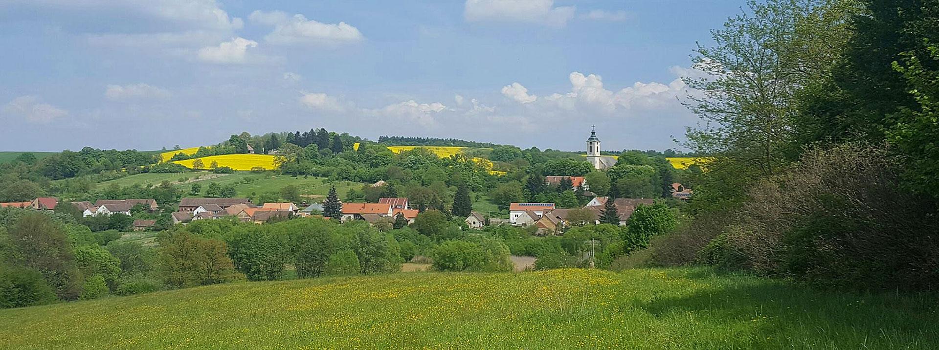 Fedezze fel a környéket! - festői falvak, hegyek, völgyek, tavak